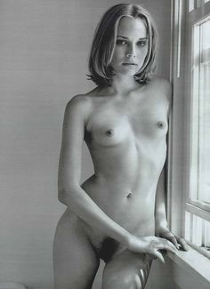 Diane Kruger, a real Helena of Troy Artistic Fashion Photography, Nude Photography, Diane Kruger, Sexy Tattoos For Girls, Bella Thorne, Gisele Bundchen, Celebrities Exposed, Stars Nues, American Actors