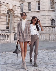 Rich kids matching check blazer and skirt outfit inspo neutral and classy outfits for women Fashion Mode, Look Fashion, Street Fashion, Fashion Trends, Fashion Fashion, Fashion Tips, Fashion Bloggers, Retro Fashion, Fashion Lookbook