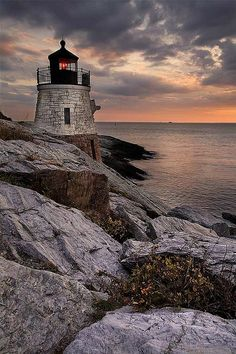 This is my favorite lighthouse! I think I've got twenty pictures of this! Castle Hill Lighthouse Narragansett Bay in Newport Rhode Island US Castle Hill Lighthouse, Narragansett Bay, Lighthouse Pictures, Newport Rhode Island, Am Meer, Jolie Photo, Strand, Wonders Of The World, Beautiful Places