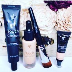 Who wants free foundation? This months customer special (or kudos as we call it) has the best bundle ever and it's so discounted that your foundation is free!! This hasn't been on offer since June 2016 so grab it whilst it's hot!!🔥🔥🔥 These 4 products together are like photoshop for your skin so don't miss out and grab yours.... click link in bio, click shop, click kudos and thank me later.    I have a total money back guarantee so what's not to love 💜💜💜