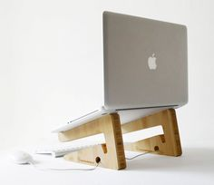 Bamboo Puzzle Laptopstand
