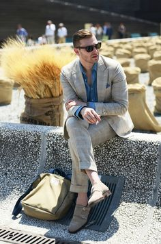 -Gant Rugger suit, shirt, shades and pocket square    -ROTM shoes    -Wm. J. Mills & Co. bag