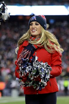 Cheerleaders Perform During Patriots-Bills Game | New England Patriots