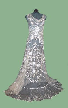This is a picture of Curly's wife dress that she wore when they first met her.