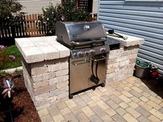 This grill surround was custom designed and built by Joliet, IL grill surround builder, Archadeck of Chicagoland. kitchen design diy grill station Grill Surround Design in Joliet, IL Archadeck of Chicagoland Outdoor Grill Area, Outdoor Grill Station, Outside Grill, Outdoor Barbeque, Patio Grill, Backyard Patio, Diy Grill, Bbq Area, Grill Design