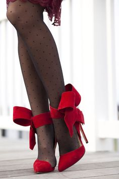 Holiday bow shoes