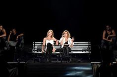 """Taylor Swift with guest, Rachel Platten, singing """"Fight Song"""" // 1989 Tour: Philly (night 2)"""