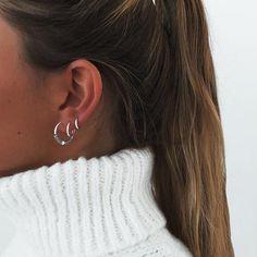 No Piercing Ear Jacket Corset Weaving/fake faux piercing/ear wires wrap/piercing imitation/cartilage earcuff/oreille manchette/conch ohrclip - Custom Jewelry Ideas Tiny Stud Earrings, Simple Earrings, Hoop Earrings, Bridal Earrings, Crystal Earrings, Sterling Silver Earrings Studs, Cute Ear Piercings, Tourmaline Earrings, Sapphire Earrings