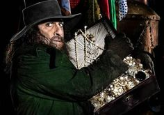 Omid Djalili as Fagin in Oliver Twist! Putting his Iranian stamp on Dicken's Fagin...