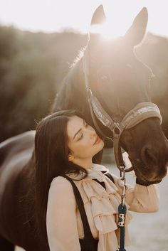 Beautiful Girl Photo, Beautiful Horses, Beautiful Pictures, Foto Cowgirl, Horse Girl Photography, Equine Photography, Portrait, Book 15 Anos, Turkish Women Beautiful