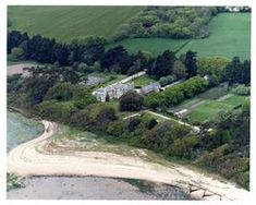 has its own beach & overlooks the Isle of Wight & the Solent. owned by the Mitford family in the C18th. Later acquired by Lord Foster, Governor General of Australia, who sold the property to Lionel de Rothschild in 1912. 7 years later, Lionel bought the nearby Exbury Estate. During the 1930s, the Hon. Mr. & Mrs. Denis Berry, Lionel's daughter & son-in-law lived there. In 1943, Inchmery House was the base for the Bardsea operations during WW2. After the war, the house was returned Rothschild Family, Bothy, New Forest, Isle Of Wight, Hampshire, The Fosters, Golf Courses, England, Australia