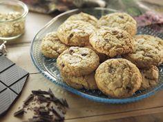 Venita's Chocolate Chip Cookies recipe from Trisha Yearwood via Food Network