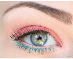Pastel eyes for spring = on trend!