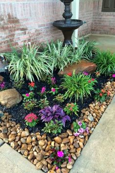 47+ Fascinating Small Backyard Landscape Designs for your garden - Home Decor Cheap Landscaping Ideas, Small Front Yard Landscaping, Garden Landscaping, Landscaping Design, Front Yard Gardens, Front Yard Plants, Modern Front Yard, Ideas For Front Yard, Garden Yard Ideas