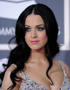 Katy Perry's makeup at The 53rd Annual GRAMMY Awards
