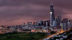Chicago Skyline focused on Sears Tower @ dusk. Chicago Wallpaper, New Wallpaper Hd, Desktop Wallpapers, City Lights Wallpaper, Chicago At Night, Chicago Pictures, Chicago Museums, City Pages, Chicago Skyline