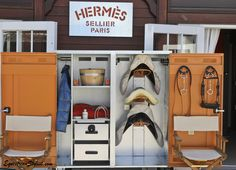 Reason to marry rich #1... Hermès for pony