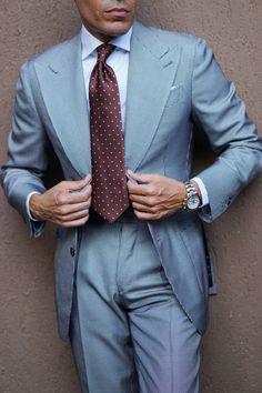 Beige Suits For Men, Dress Suits For Men, Brown Suits, Suit And Tie, Mens Suits, Blue Suits, Mens Fashion Blazer, Big Men Fashion, Men's Fashion
