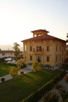 Quaint Hotel in Barga, Italy (9/07)