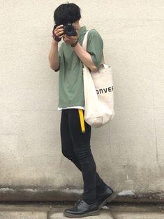 こんにちは! 今日は久しぶりにスキニーを履いて久しぶりにトートバッグ持って久しぶりにカメラを構えてみ