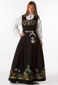 Bilderesultat for oslo festbunad Folk Fashion, Fashion Art, Womens Fashion, Costumes Around The World, Fashion Terms, Folk Clothing, Medieval Dress, Folk Costume, Knitting Accessories