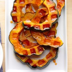 61 Vegetarian Recipes Perfect For Fall Autumn Recipes Vegetarian, Fall Recipes, Vegetarian Meals, Holiday Recipes, Vegan Recipes, Veggie Side Dishes, Side Dish Recipes, Waffle Iron Recipes, Clean Eating Meals