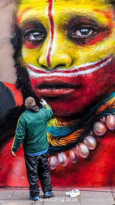 North London artist Dale Grimshaw returns to Hanbury Street to paint a new mural.