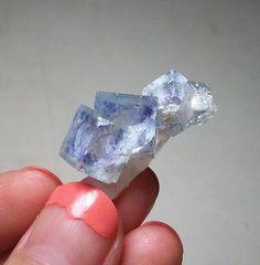 Miniature-Mineral-Cute-Cubic-Purple-Fluorite-Crystal-on-Quartz-China-15-519   Size: 3*1.6*1.6cm   Weight: 7.3g Babu, Guangxi, China