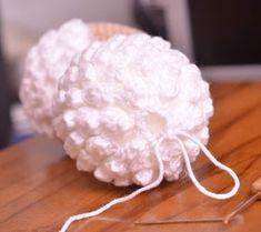 Passo a Passo... Mas como faço?: Ovelha Amigurumi com receita e passo a passo Crochet Toys Patterns, Stuffed Toys Patterns, Crochet Dolls, Crochet Clothes, Poodle, Sheep, Lily, Crochet Animal Amigurumi, Animal Templates