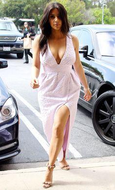 Kim Kardashian, Jessica Alba, Rihanna… les régimes les plus fo. Kim Kardashian, Rihanna, Street Style Shop, Hollywood Heroines, Beautiful Indian Actress, Hottest Photos, Bollywood Actress, Nice Dresses, Dresses 2016