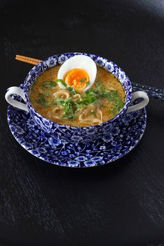 Hot and Sour Soup Recipe - Quick and Easy! Spicy Recipes, Asian Recipes, Soup Recipes, Healthy Recipes, Ethnic Recipes, Easy Soups To Make, Quick And Easy Soup, Gado Gado Recipe, Hot And Sour Soup