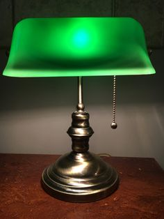 Vintage bankers lamp green glass bankers lamp vintage piano lamp vintage solid brass bankers lamp green glass shade with brass pull circa 1980s audiocablefo