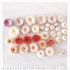 Beautiful flowers💐#bakingclass#buttercream#cake#baking#wiltoncakes#weddingcake#버터크림케이크#wilton#flowers#buttercake#플라워케이크#wedding#버터크림플라워케이크#specialcake#birthdaycake#flower#플라워케익#rose#디저트#케이크#cupcake#dessert#food#beautiful#부케#bouquet#instacake#꽃스타그램#flowercake#peony @yoon2222222