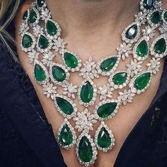 Spectacular diamond and emerald collar necklace~