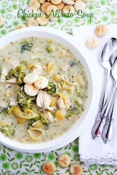 Broccoli, Pasta & Chicken Alfredo Soup