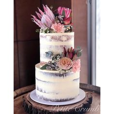 Semi naked two tier wedding cake with natives - Hochzeitsdeko - Protea Wedding, Floral Wedding Cakes, Fall Wedding Cakes, Wedding Cakes With Flowers, Floral Cake, Wedding Cake Designs, Two Teir Cake, Wedding Cake Two Tier, Wedding Cake Rustic