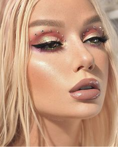 60 Makeup Hacks That will Change Your Life! Makeup Eye Looks, Creative Makeup Looks, Cute Makeup, Glam Makeup, Skin Makeup, Makeup Inspo, Makeup Art, Makeup Inspiration, Beauty Makeup