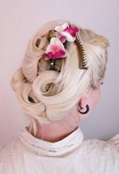 The Freelancer's Fashionblog: HAIRDO'S #2 - Pincurl it Baby!  Hair tutorial :)