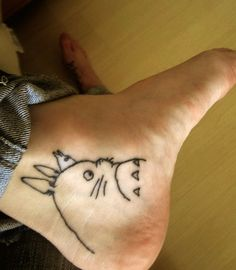 Totoro tattoo steal healing. Done @ Guilherme Tattoo, Santa Maria, Brazil. Please check my tumblr :) Thanks.