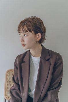 Japanese Short Hair, Japanese Haircut, Japanese Hairstyle, Hair Scarf Styles, Shot Hair Styles, Long Hair Styles, Hair Inspo, Hair Inspiration, Crop Hair