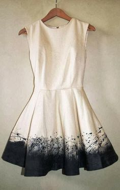 White dress with black specs at the ends // perfect spring dress. navy blue, off white, 2014, spring