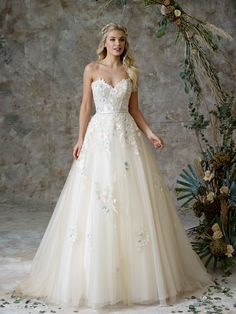 See the full range of collections of wedding dresses and bridal separates by Charlotte Balbier Bridal Wedding Gown Ballgown, Bridal Gowns, Charlotte Balbier, Bridal Separates, Alternative Wedding Dresses, Designer Wedding Gowns, Dress Collection, Ball Gowns, Ethereal Beauty
