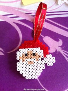 Ideal for decorating the Christmas tree. Decoration handmade in Hama, perler beads. Melty Bead Patterns, Pearler Bead Patterns, Perler Patterns, Beading Patterns, Hama Beads Design, Diy Perler Beads, Perler Bead Art, Christmas Perler Beads, Peler Beads