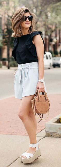 obsessed with these high-waisted shorts for spring and summer #springoutfitideas