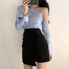 Korean Girl Fashion, Korean Fashion Trends, Korean Street Fashion, Ulzzang Fashion, Cute Fashion, 90s Fashion, Kpop Fashion Outfits, Girls Fashion Clothes, Stage Outfits