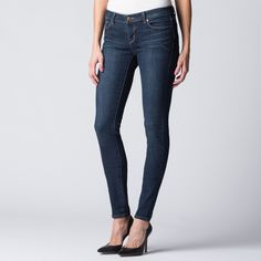 Low Rise Skinny Jeans in Dusk - The Low Rise Skinny is a close-fitting, body-contouring silhouette – both treacherously flattering and surprisingly comfortable. A deep, lush indigo hue like Dusk is highly becoming.