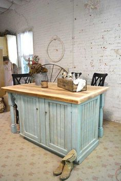 Painted Cottage Chic Shabby Hand Made Farmhouse Kitchen Island by paintedcottages on Etsy Casas Shabby Chic, Shabby Chic Mode, Shabby Chic Style, Shabby Chic Decor, Cocina Shabby Chic, Muebles Shabby Chic, Shabby Chic Kitchen, Farmhouse Kitchen Island, Kitchen Island Decor