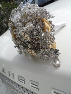 Items similar to Swanky Sexy Sweet Brooch Bouquets from Amanda Jane Collection on Etsy Broch Bouquet, Bling Bouquet, Wedding Brooch Bouquets, Wedding Images, Wedding Designs, Dream Wedding, Wedding Day, Luxe Wedding, Wedding Trends