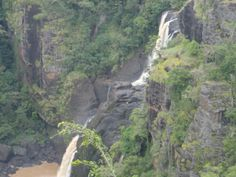 The cascading Rouna Falls near Port Moresby along the Sogeri Road on the way to Owers Corner, the drop-off point of the Kokoda Track. Papua New Guinea, Military History, Wonderful Places, Trekking, Trail, Past, To Go, Corner, Drop