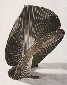 Constructie ~ 1938 ~ Koper ~ 64 x 51 cm. ~ Particuliere verzameling, Bazel ~ © ADAGP, Paris and DACS, London 2016